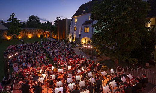 Schlosshofserenade in Hartberg am 26. Juni