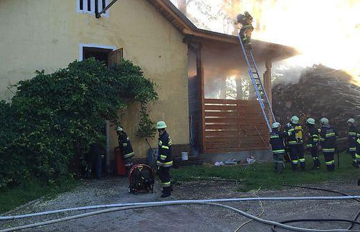 Die Kameraden von vier Feuerwehren standen im Einsatz