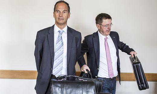 Karré mit seinem Anwalt Klein