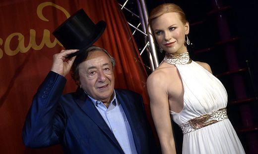 Richard Lugner mit der Wachsfigur von Nicole Kidman