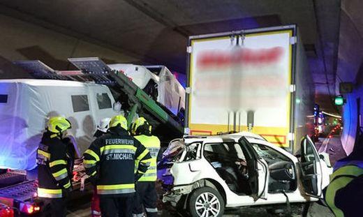 Der Unfall geschah kurz vor 11 Uhr in Fahrtrichtung Nord