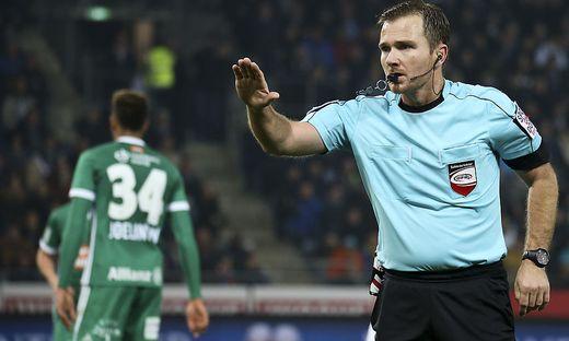 Schiedsrichter Dieter Muckenhammer