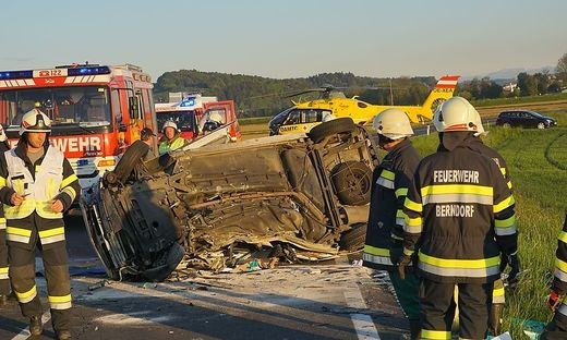 Zu einem schweren Verkehrsunfall kam es heute auf der L201 zwischen Unterstorcha und Berndorf.