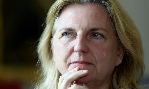 INTERVIEW: AM KARIN KNEISSL (FPOe)