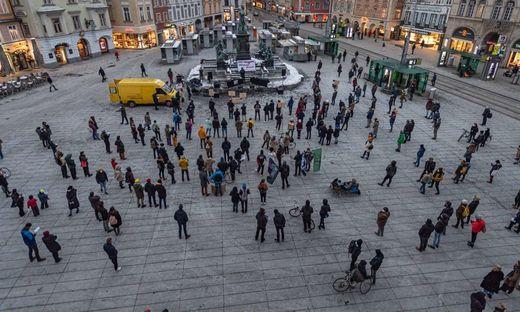 Friedlicher Studentenprotest am Grazer Hauptplatz