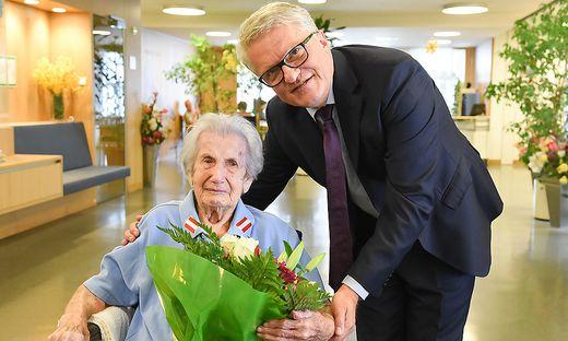 Anna Wiesmayr und Bürgermeister Klaus Luger