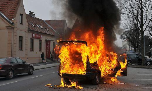 Direkt vor der Kleine-Redaktion in Hartberg brannte im Jahr 2009 ein Auto