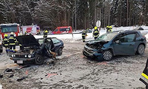 Drei Feuerwehren waren nach dem Unfall im Einsatz