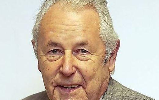 Der pensionierte Pfarrer i. R. Geist. Rat Florian Frey wurde 1998 zum Bischöflichen Geistlichen Rat ernannt
