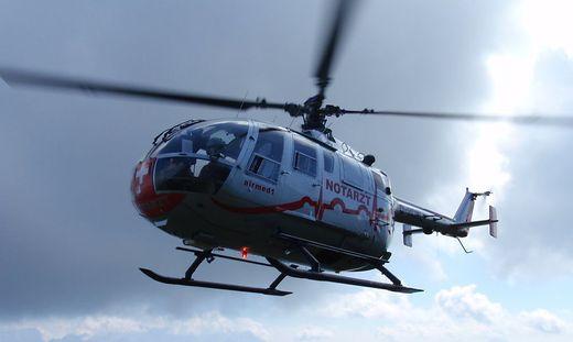 Der Verletzte wurde vom Rettungshubschrauber Airmed ins LKH Villach gebracht (Symbolfoto)
