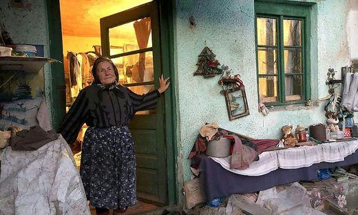 Anna Coca ist 92 Jahre alt und hat ihr ganzes Leben in Petrosani in einer notdürftig zusammengebauten Hütte mit nur einem Zimmer gelebt