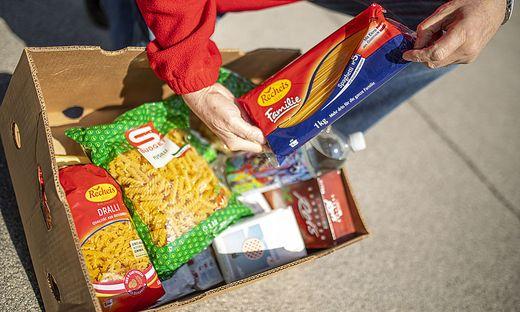 Dringend gebraucht werden Produkte wie Nudel, Mehl, Reis oder Konserven