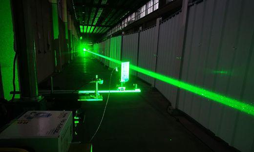 Schützen uns in Zukunft Laserstrahlen vor Blitzen?