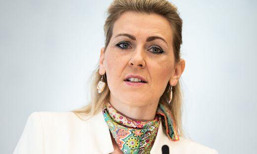 Arbeits- und Familienministerin Christine Aschbacher von der ÖVP