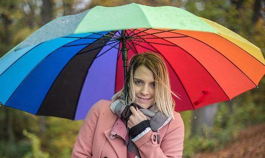 Bunt sind derzeit nur die Schirme