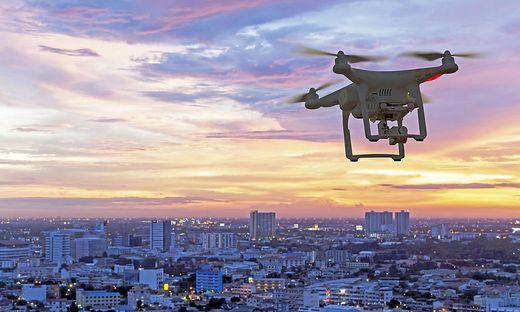 Immer öfter steigen Drohnen in den Himmel auf. Auch dieser Verkehr braucht klare Regeln