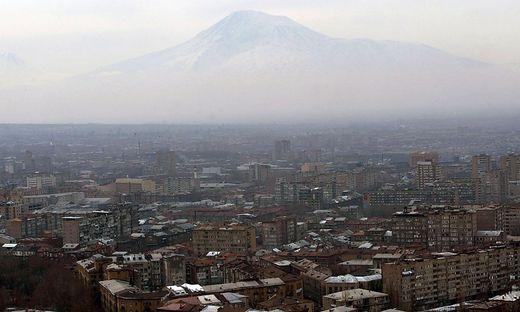 Besitz Geluste Aserbaidschans Prasident Erhebt Anspruch Auf Armenische Hauptstadt Eriwan Kleinezeitung At