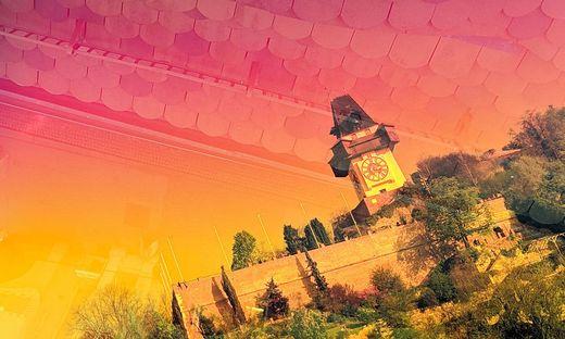 Der Grazer Schloßberg, durch den Colour Cube betrachtet