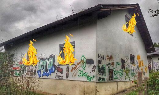 Aus diesem alten Wohnhaus in Heiligenkreuz am Waasen werden Donnerstagabend echte Flammen lodern