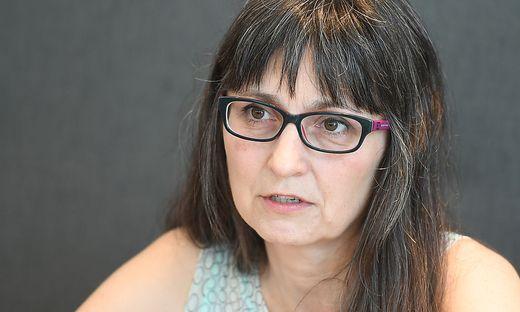 INTERVIEW: KARIN PESCHKA