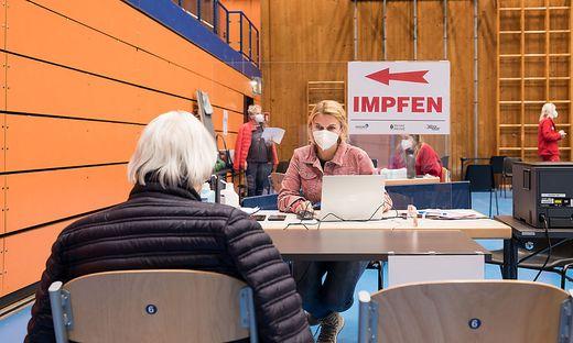 Die Test- und Impfstraße in Bruck wird ab Ende Juli in der Mitterstraße zu finden sein