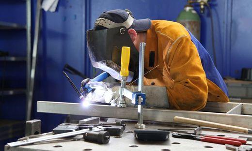 Vor allem bei Produktionsbetrieben droht Kurzarbeit