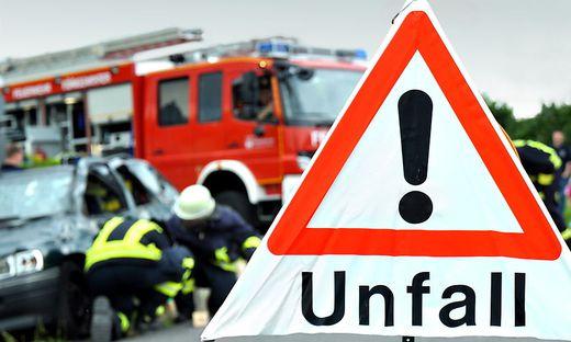 Der 15-jährige Mopedlenker wurde in die Kinderklinik des LKH Graz gebracht (Sujetbild)