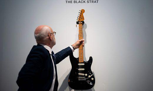 """Das begehrteste Stück von allen: Die """"Black Strat"""""""