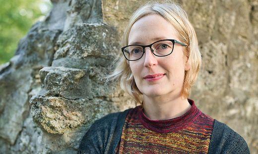 Die Autorin Inga Vesper thematisiert in ihrem Kriminalroman Rassismus und Gewalt gegen Frauen