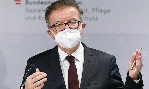 Rudolf Anschober, geboren November 1960 in Wels, war 16 Jahre lang Landesrat in Oberösterreich, bevor er im Jänner als Sozial- und Gesundheitsminister in die Bundesregierung einzog – und seither die Pandemie bekämpft