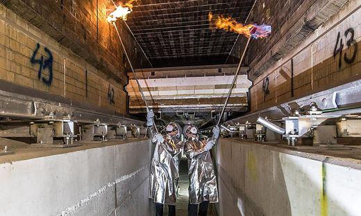 Anfeuerungszeremonie im neuen Tunnelofen im RHI-Werk Radenthein