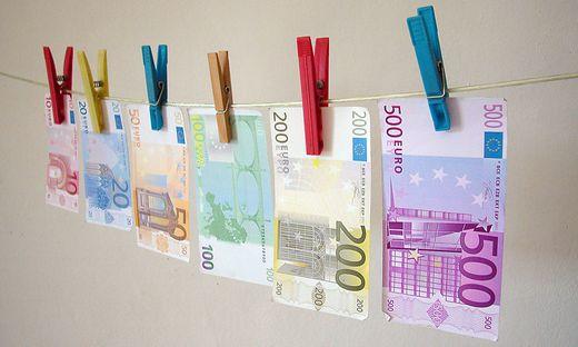 waescheleine,falschgeld,geldfaelschung,geldschein,geldscheine,scheine,euroschein,euroscheine,euro,geld,bargeld,zahlungsmittel,finanzen