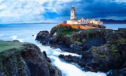 Irland: Wilde Küsten, reetgedeckte Häuser und die gute, alte Pub-Kultur