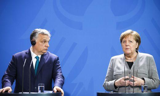 Viktor Orbán will sich seine Zustimmung zu Angela Merkels EU-Aufbaufonds teuer abkaufen lassen