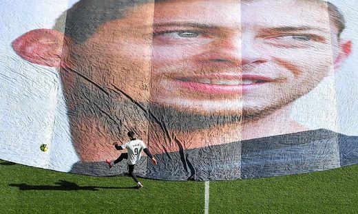 Erinnerung an den argentinischen Fußballprofi Emiliano Sala