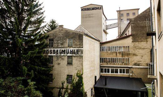 Die Silotürme der Rösselmühle im Bezirk Gries
