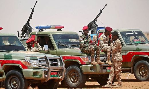 Sudanesische Soldaten an der Grenze