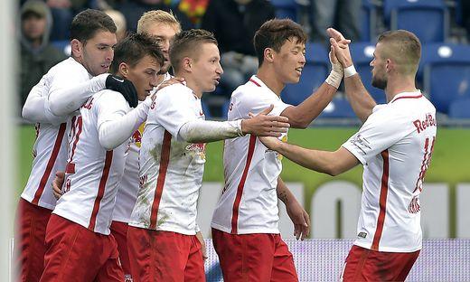 FUSSBALL TIPICO BUNDESLIGA: SKN ST. POeLTEN - RED BULL SALZBURG