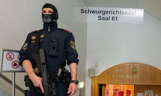 Bewacht: Linzer Jihadisten-Prozess