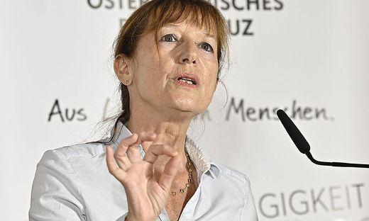 """Barbara Juen, Leiterin der Psychosozialen Dienste des Roten Kreuzes, rechnet mit """"massiven psychischen Spätfolgen"""" der Pandemie."""