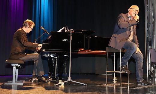 Konstantin Wecker und Pianist Jo Barnikel bei ihrem Auftritt in Judenburg