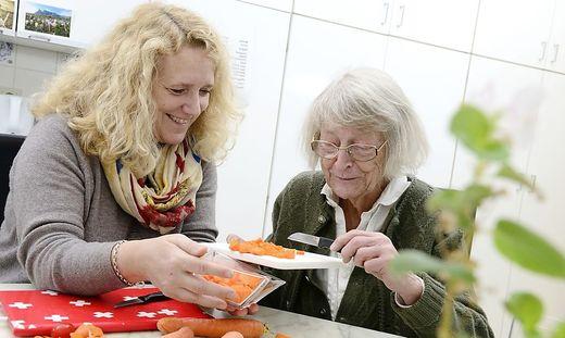 Betroffene, Angehörige oder Interessierte sind herzlich zum heutigen Pflegestammtisch eingeladen