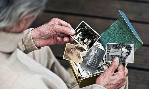 Persönliche Erinnerungen können eng mit historischen Vorgängen verknüpft sein. Erinnerungskultur kann auch von individuellen Erfahrungen geprägt sein