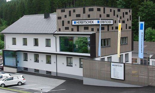 Der Unternehmenssitz in Ratten