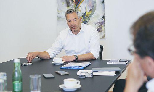 Die Genfer Flüchtlingskonvention ist die schlechteste Ausrede: Innenminister Karl Nehammer im Interview mit den Bundesländerzeitungen