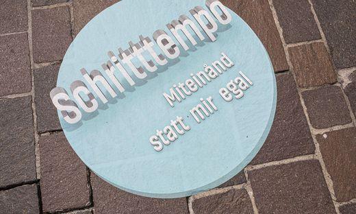 Markierungen Radfahrverbot Fuszgaengerzone Alter Platz Klagenfurt Juli 2019