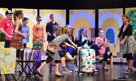 """Insgesamt 25 Schüler der NMS Gerlitz wirkten bei dem Musical """"La Sucola"""" künstlerisch mit"""