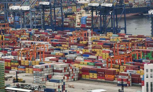 Rückstau: Der Frachthafen Yantian als Nadelöhr