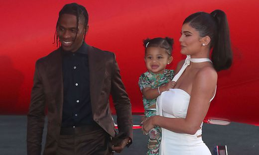 Kylie Jenner mit Travis Scott und Tochter Stormi