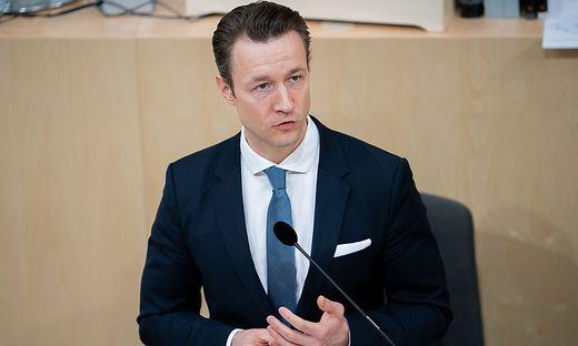 Finanzminister Gernot Blümel: Im Paarlauf mit den Grünen verzichtet er auf die volle Kontrolle über die Fördergelder